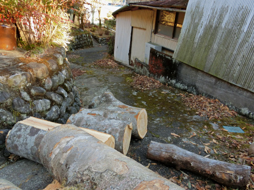 薪情報の現地の進入口