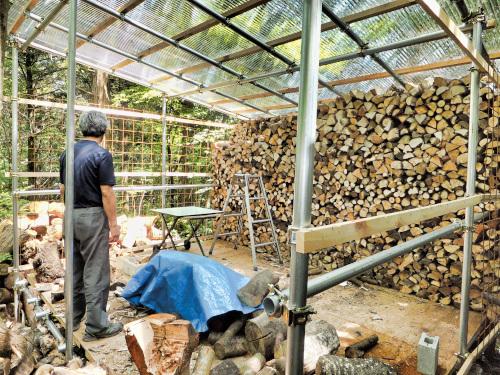 薪を作るにはスペースが必要です